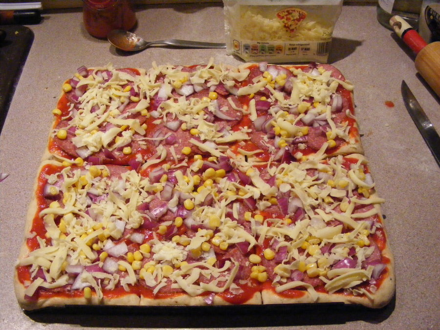 red onion sweetcorn mozzarella